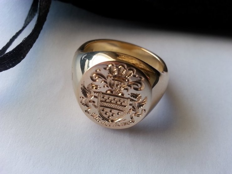 the award winning quotvan der merwequot family crest seal ring