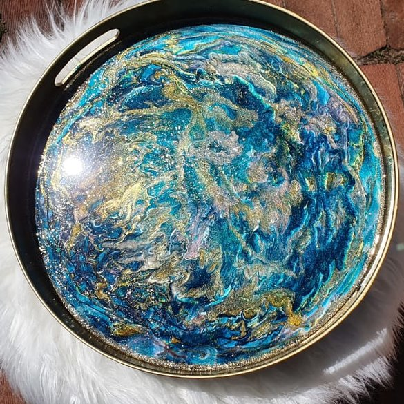 Marbled resin tray